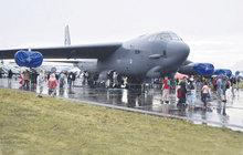 Bombardér B-52 v Mošnově: Stánek za 1,5 miliardy!