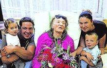 Skořepová (93) v LDN: Foto, které vhání slzy do očí!