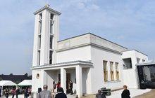 Příběh vyhořelého kostela v Mirovicích: Po roce vstal z popela!