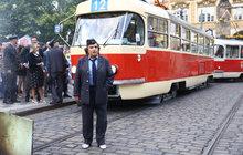 Dáma na kolejích: Bohdalová zastavila dopravu!
