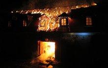 Požár vzácného zámku: Shořely miliony!