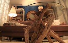Jak na originální stolek? Stačí pár větví a sklo!