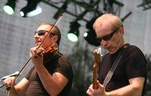 Dokument o kapele Čechomor, která začínala před 30 lety na ulici a dnes má 20 koncertů měsíčně je jednou z lahůdek, které nachystala jubilující ČT Art.