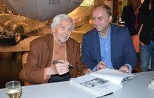 Cestovatel Zikmund (97) pokřtil 196. knihu ...a ukázal nezveřejněné fotky!