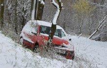 Meteorologové varují: Řidiči, pozor na náledí!