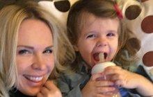 Dceři Kobzanové byly dva roky: Slavila jako Minnie!
