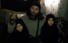 Pekelné video z džihádistické syrské rodiny: Pusu mámě a... Hybaj na smrt!