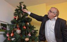 Nejpestřejší vánoční stromeček: Sběratel má skvosty staré 100 let!