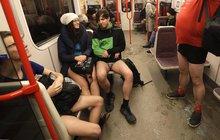 Překvapení v metru: Partička bez kalhot!