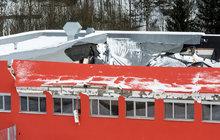 Na 80 lidí padala střecha nové haly!