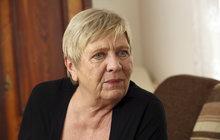 Oblíbená herečka Jaroslava Obermaierová (72), která si vposledních měsících po zdravotní stránce užila své, promluvila o pobytu vnemocnici a také přiznala, že se po všech těch peripetiích dala konečně dohromady.