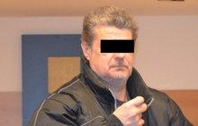 Otec týral syny (9, 10): U soudu dostal podmínku...