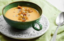 VAŘÍME ZDRAVĚ A RYCHLE: Znáte sladké brambory? Připravíte z nich vynikající polévku!