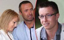 Syna soudí za vraždu, rodiče za korupci?