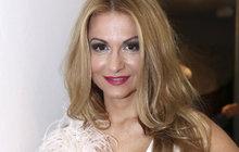 Pod jménem Yvetta Blanarovičová (54) si mnozí představí úspěšnou českou zpěvačku nebo herečku. Pokud ovšem budete mít štěstí a ve správný čas přepnete na jiný kanál, na kterém zrovna poběží teleshopping, určitě pak nepřepněte dále!