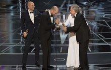 Kolosální skandál na Oscarech: Špatná obálka, špatný vítěz!