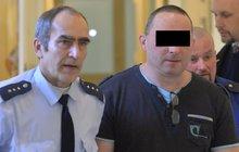 3 dny žil v bytě s mrtvolou: Za vraždu partnerky dostal 14,5 roku!