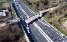 Neštěstí v Itálii u Jadranu: Na dálnici spadl most! Zabil dva lidi...