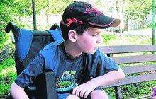 Jakub (15) po letech vstal z vozíčku!