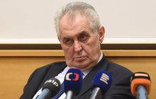 Skandál: Zeman se otočil a odešel uprostřed premiérova projevu, vzal na Sobotku hůl!