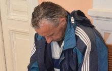 Synek (46) přepadl nemocného otčíma: Kvůli 200 Kč na chlast...