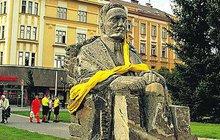 Kauza sochy v Hradci Králové: Skončí u rybníka?