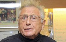 Akutní operaci mozku podstoupil ve střešovické nemocnici oscarový režisér Jiří Menzel (79)! Podle informací televize Nova teď leží v umělém spánku.