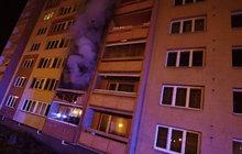Výbuch v ostravském paneláku: Ozvala se rána a šlehaly plameny!