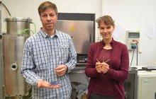 Vědci z Ostravy: Implantáty budou pevnější!