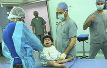 Češi v Jordánsku operovali Mohammadovi (5) »koňskou« nohu!