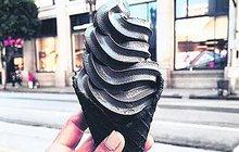 Originální zmrzlina: Lízněte si černé! Chutná jako...