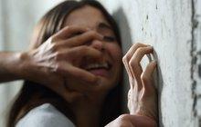 Chudák holka! Znásilnil ji učitel, pak teprve přišel šok!