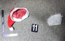 V masce Santa Clause ukradli pokladnu a stříleli!
