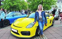 Jubilejní desátý sraz »poršáků« ve Zlíně: Luxus na čtyřech kolech!
