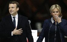 Absurdní triumf: Prezidentem Francie je relativní mladík Macron (39)!