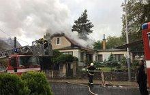 Rodinný dům zapálil blesk!