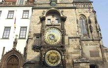 Orloj dostane 4. kalendárium a teď tam nalepí fototapetu!