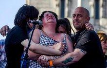 ZOUFALSTVÍ! Tuhle ženu připravil  terorista o dceru (†15)!