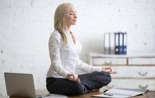Malá rozcvička do kanceláře: Proti bolestem zad i proti stresu