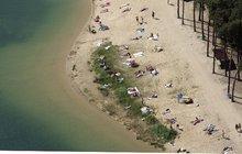 Kam vyrazit, když pro vás přeplněné aquaparky v létě nejsou to pravé? Na koupačku do přírody!