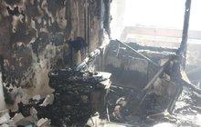 Požár bytu v paneláku: 12 evakuovaných a 9 zraněných lidí, 5 zachráněných psů!