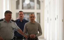 Vrah hledače pokladů Oldřich Konrád (51): Dostal 25 let, chce ale doživotí!