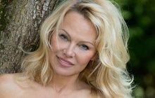 Pamela Anderson láká prezidenta Macrona: Přijď na gáblík!