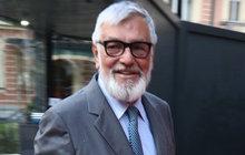 V jednom kole je prezident Mezinárodního filmového festivalu Jiří Bartoška (71). Nejenže musí stíhat organizační věci, ale také společenské schůzky. Proto si musí dát i dva obědy během jednoho dne.