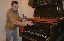 Světový unikát: Klavír rozeznívají zvonky