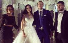 Ruský skandál  Dcerunce zaplatila svatbu za 25 »mega«! 5a6186af57