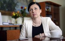 Eurokomisařka Jourová sáhla do unijní kasy: Miliony proti šizení Čechů!