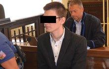 Student Marek Č. (26) medicíny popsal: Matku jsem podřízl, a pak i bratra. Teď primášovi kapely hrozí 20 let!