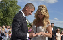 Babišovi do toho po 23 letech praštili: Nevěstě ruply šaty!
