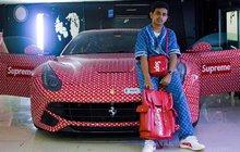 Dostal ferrari v provedení Louis Vuitton: Je mu teprve 15 a nesmí řídit!